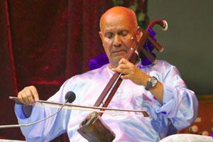Sri Chinmoys gibt ein Konzert