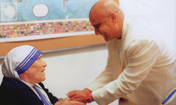 Sri Chinmoy mit Mutter Teresa in Bronx
